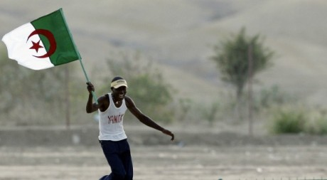 Un supporter de l'Algérie avant la demi-finale de la CAN de football, le 28 janvier 2010. Amr Dalsh / Reuters