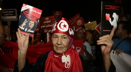Une manifestatnte à Tunis, le 13 août 2012 © Zoubeir Souissi/REUTERS