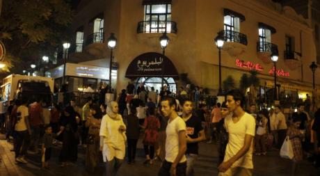 Un soir à Tunis, après la rupture du jeûne du ramadan, 18 août 2012. ©  REUTERS/Zoubeir Souissi