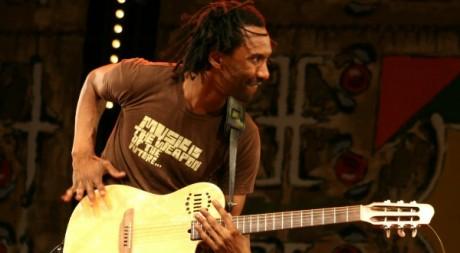 Daby Touré au festival Gnaoua d'Essaouira au Maroc en juin 2010 ©Stéphanie Trouillard