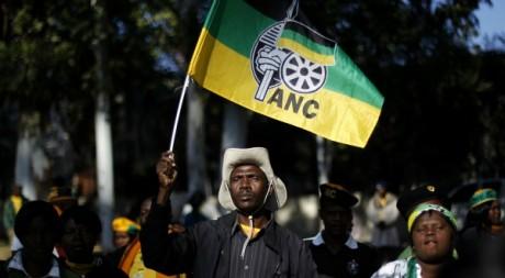 Un militant de l'ANC lors d'une manifestation à Johannesburg, mai 2012. © REUTERS/Siphiwe Sibeko