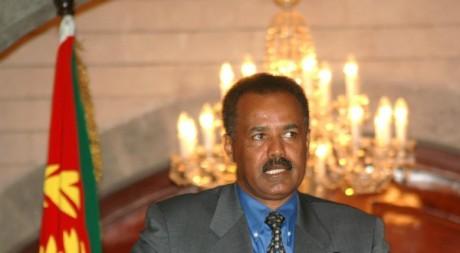 Le président Issayas Afeworki, lors d'une conférence de presse au Yémen , décembre 2004. © REUTERS/Khaled Abdullah Ali Al Mahdi