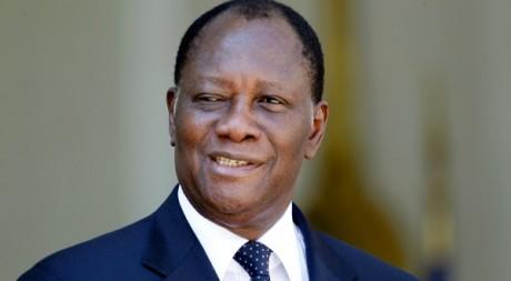 Alassane Ouattara, reçu à l'Elysée, le 26 juillet 2012. © REUTERS/Charles Platiau