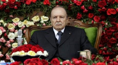 Bouteflika lors d'une cérémonie officielle en Algérie, 27 juin 2012. REUTERS/Stringer