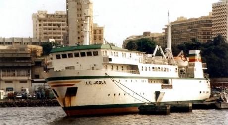 Photo non datée du Joola sur le port de Dakar © AFP
