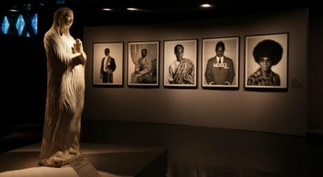 African spirits, métamorphose de Samuel Fosso. © Musée du Quai Branly