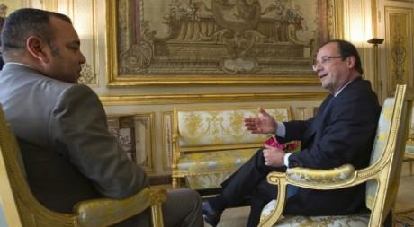 François Hollande et le roi Mohammed VI, à l'Elysée, mai 2012. © REUTERS/POOL New