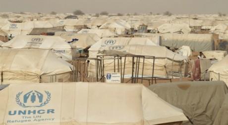 Le camp de réfugiés de M'Béra dans le sud de la Mauritanie, 23 mai 2012. REUTERS/Joe Penney