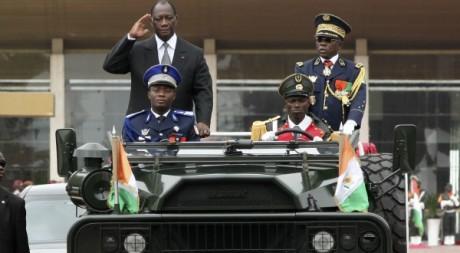 Alassane Ouattara en parade militaire le 7/08/2012. REUTERS/Luc Gnago