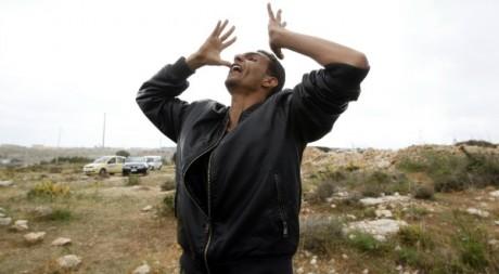 Un Tunisien ayant fui son pays, le 11 avril 2011. Reuters