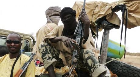Militants d'Ansar Dine à Gao le 18 juin 2012. REUTERS/Stringer .