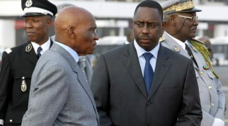 Abdoulaye Wade et Macky Sall, alors Premier ministre, Dakar, 13 avril 2005. AFP/ Seyllou