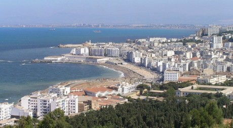 Algiers coast by Damouns via Flickr CC.