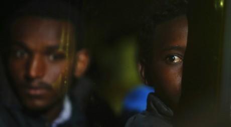 Les migrants érythréens secourus par la marine maltaise, La Valette, 9 novembre 2012. REUTERS/Darrin Zammit Lupi