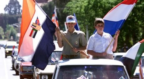 Commémoration du centenaire de la guerre des Boers le 9 octobre 1999. Reuters/Mike Hutchings