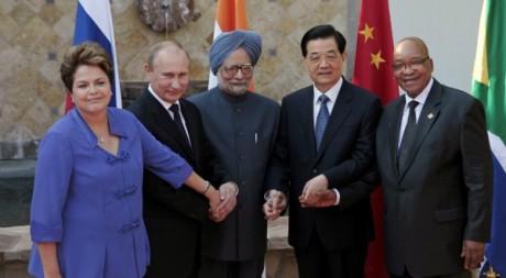 Les dirigeants du Brésil, Russie, Inde, Chine et Afrique du Sud, le 18 juin 2012 au Mexique. REUTERS/Victor Ruiz