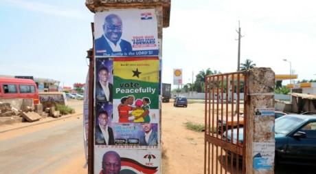 Affiches des candidats pour la présidentielle au Ghana. © PIUS UTOMI EKPEI / AFP