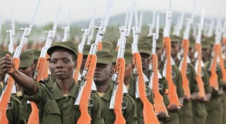 Des soldats de l'armée somalienne, mai 2012. © REUTERS/James Akena