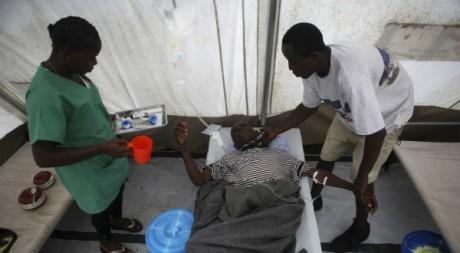 Un centre de soins de MSF, août 2012 ©REUTERS/Stringer