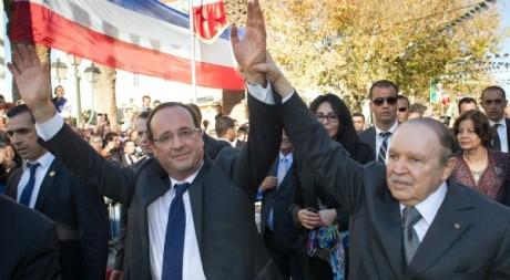 Bain de foule à Tlemcen en Algérie le 20 décembre. Pool News/Reuters