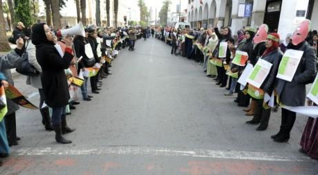 manifestation de féministes marocaines, Rabat, 8 décembre 2012. © REUTERS/Stringer