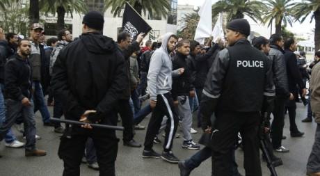 Manifestation pro-gouvernementale d'islamistes tunisiens contre le syndicat UGTT, 8 décembre 2012, Tunis.REUTERS/Zoubeir Souissi