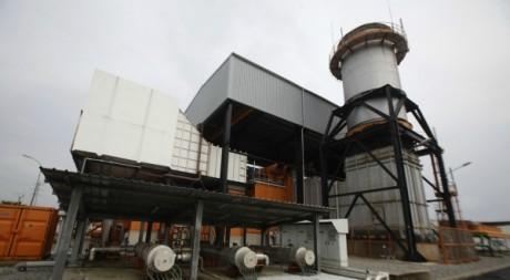 Une usine de production d'énergie, Abidjan, Côte d'Ivoire, 2012. © REUTERS/Thierry Gouegnon