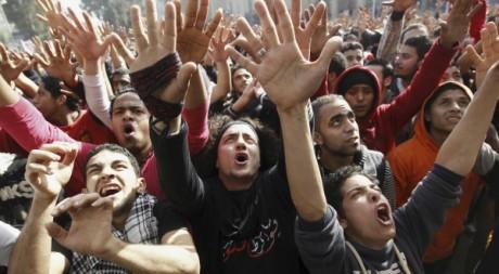 Supporters de l'équipe de foot Al Ahly au Caire le 26 janvier 2013.  REUTERS/Mohamed Abd El Ghany