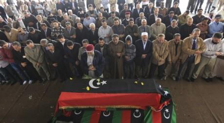 Les funérailles de l'opposant libyen Mansour Rashid al-Kikhia à Benghazi le 3 Decembre2012. REUTERS/Esam Al-Fetori