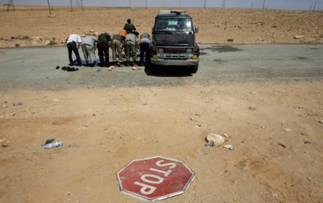 Route de Bani Walid, 8 septembre 2011.REUTERS/Youssef Boudlal
