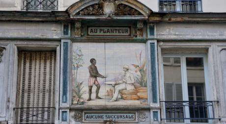 Une céramique, rare trace à Paris de la colonisation, 15 février 2013 ©AFP/Pierre Verdy