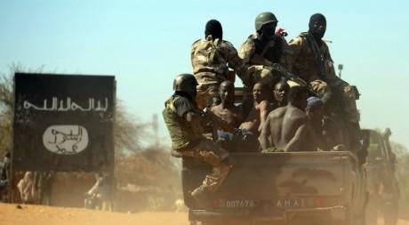 Des soldats maliens à Gao, 8 février 2013. © PASCAL GUYOT / AFP