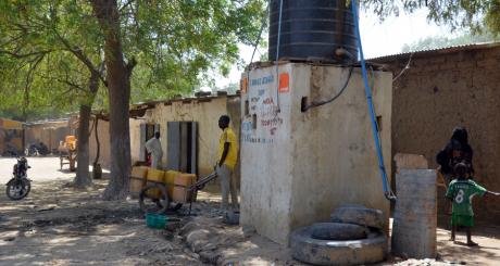 Un puits d'eau à Makary, Cameroun, mars 2013. © PATRICK FORT / AFP