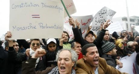 Manifestations contre lé régime, Casablanca, février 2011. © CHAFIK / AFP