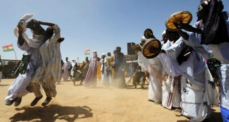 Danseurs touareg, Ingali, septembre 2010. © ISSOUF SANOGO / AFP