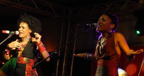 Les Nubians en concert à Nairobi, août 2007/ AFP