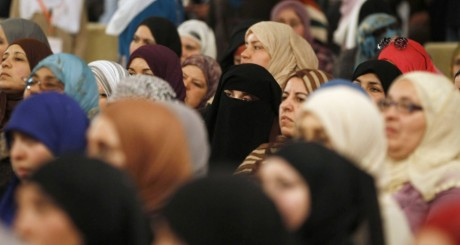 Supportrices du parti Ennahda, Tunis, le 10 mars 2013. REUTERS/Zoubeir Souissi