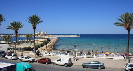 Plage de Monastir Tunisie, by liliredqueen via Flickr CC.