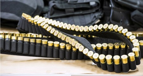 Munitions interceptées dans l'appartement d' Hakim Benladghem le 26 mars. NICOLAS LAMBERT / BELGA / AFP