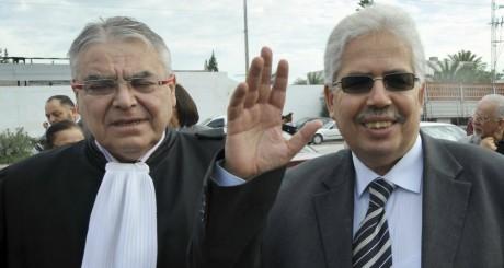 Habib Kazdaghli et son avocat devant le tribunal de Tunis le 28 mars 2013. FETHI BELAID / AFP