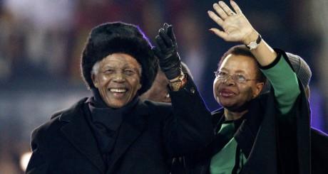 Nelson Mandela et son épouse Graca, à l'ouverture du Mondial 2010, Johannesbourg / Reuters