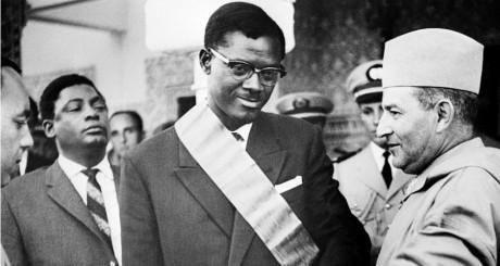 Le roi du Maroc Mohamed V rencontre le Premier Ministre du Congo Patrice Lumumba le 08 août 1960. / AFP