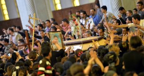 Funérailles de quatre coptes tués lors d'affrontements confessionnels, Le Caire, 7 avril 2013 / AFP