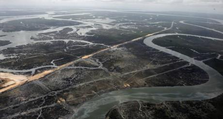 Vue du delta du Niger, après une attaque contre des installations pétrolières, mars 2013 / AFP