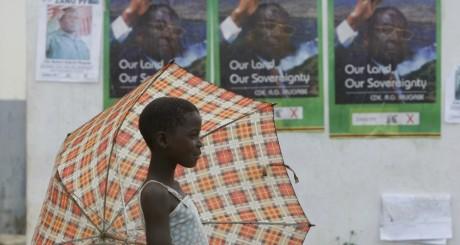 Une jeune Zimbabwéenne, Harare, 2008 / REUTERS