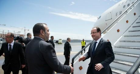 François Hollande accueilli par Mohammed VI, Casablanca, 3 avril 2013 / AFP