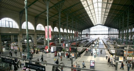 la sncf au centre d 39 un scandale raciste en gare du nord slate afrique. Black Bedroom Furniture Sets. Home Design Ideas
