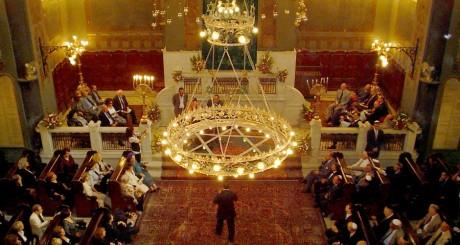 Vue intérieure de la synagogue du Caire, octobre 2007 /AFP