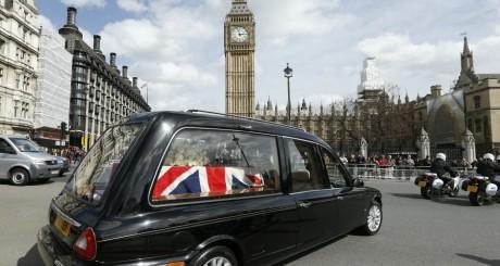 La dépouille de Margaret Thatcher conduite au palais de Westminster, 16 avril 2013 / REUTERS