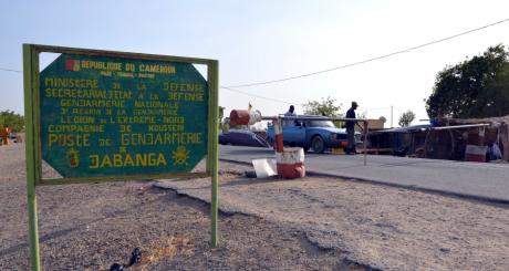 L'entrée de la ville de Dabanga où a été enlevée la famille Moulin-Fournier, mars 2013 / AFP